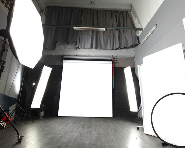 photo-studio-lights-reflectors