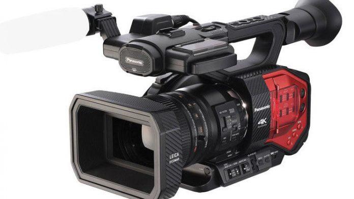 Panasonic's AG-DVX200 4K Handheld Four-Thirds Sensor Camcorder