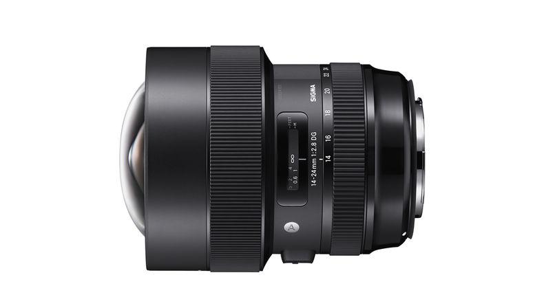 Sigma 14-24mm f/2.8 Art wide-angle zoom lens side shot