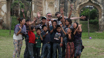 Director Ricardo Gaona (Parque Central) and Guatemalan shoe shine kids.