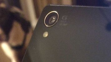 Sony's current flagship, the Xperia Z3 sports a 20.7 MP sensor