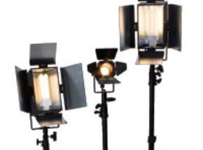 Videomaker's 2009 Best Video Light Kit: Videssence KSH2057P-SB Triple Fixture Review
