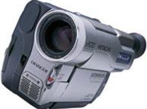 Test Bench:Hitachi VM-D865LA Digital8 Camcorder