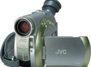 Video Camera Review:JVC GR-D200 Mini DV Camcorder