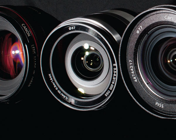 dslr-lens-lined-up-in-a--row