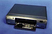 DV VCR records, playbacks Mini DV Tapes