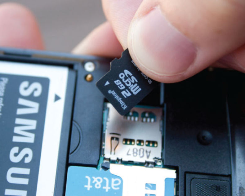 Hidden near the battery, many smartphones carry a microSD card. The inconvenience is having to remove the cover on your phone - less elegant than with a tablet.