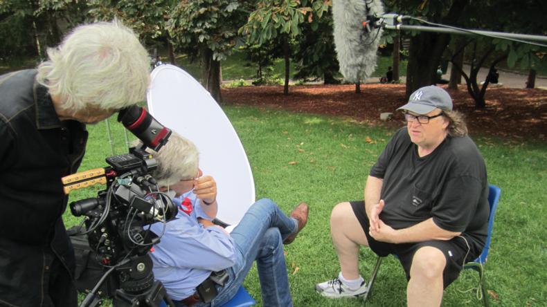 DOP John Westheuser shooting Peter Raymont interv. w. Michael Moore
