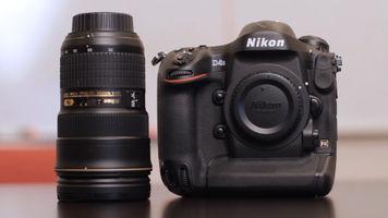 Nikon D4s with lens